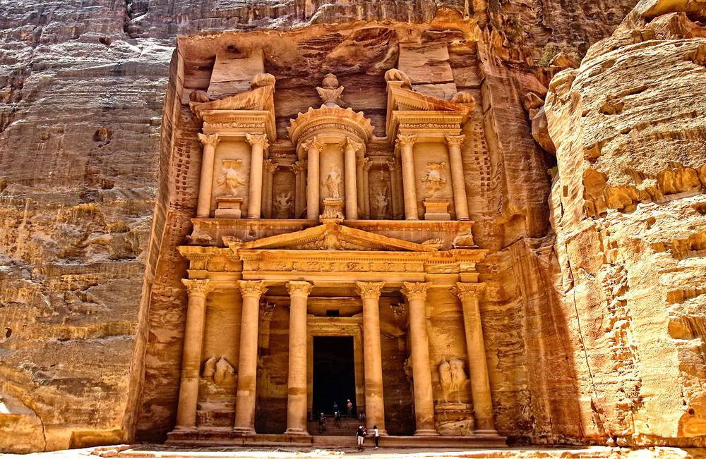Click to enlarge image 1_Treasury_Petra_main_photo.jpg